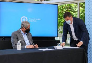 El intendente Chornobroff firmó un convenio con el Presidente Fernández para la construcción de 300 viviendas
