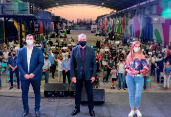 El intendente Chornobroff junto con el ministro Ferraresi y Magdalena Sierra entregaron subsidios a instituciones de Avellaneda