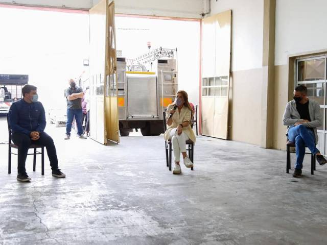 La Municipalidad continúa con la entrega de subsidios a instituciones barriales de Avellaneda