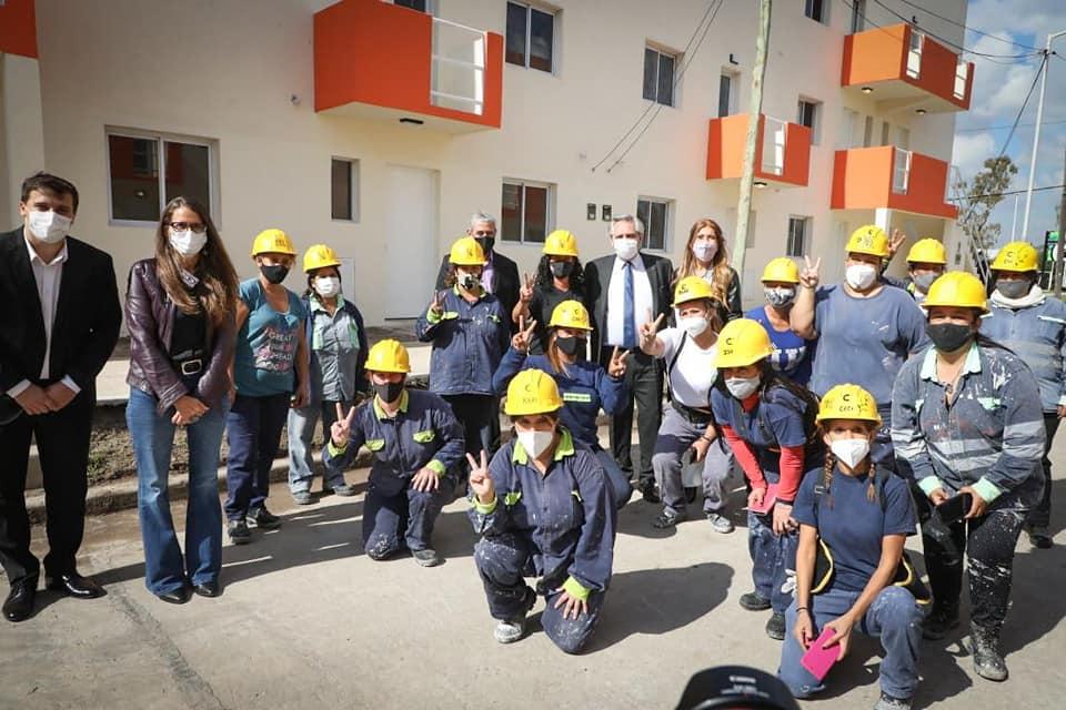 El presidente Alberto Fernández entregó viviendas en Avellaneda