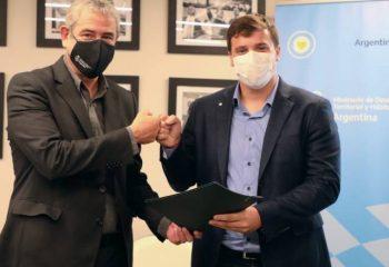 El intendente Chornobroff firmó un acuerdo con el ministro de Hábitat y Desarrollo Territorial, Jorge Ferraresi