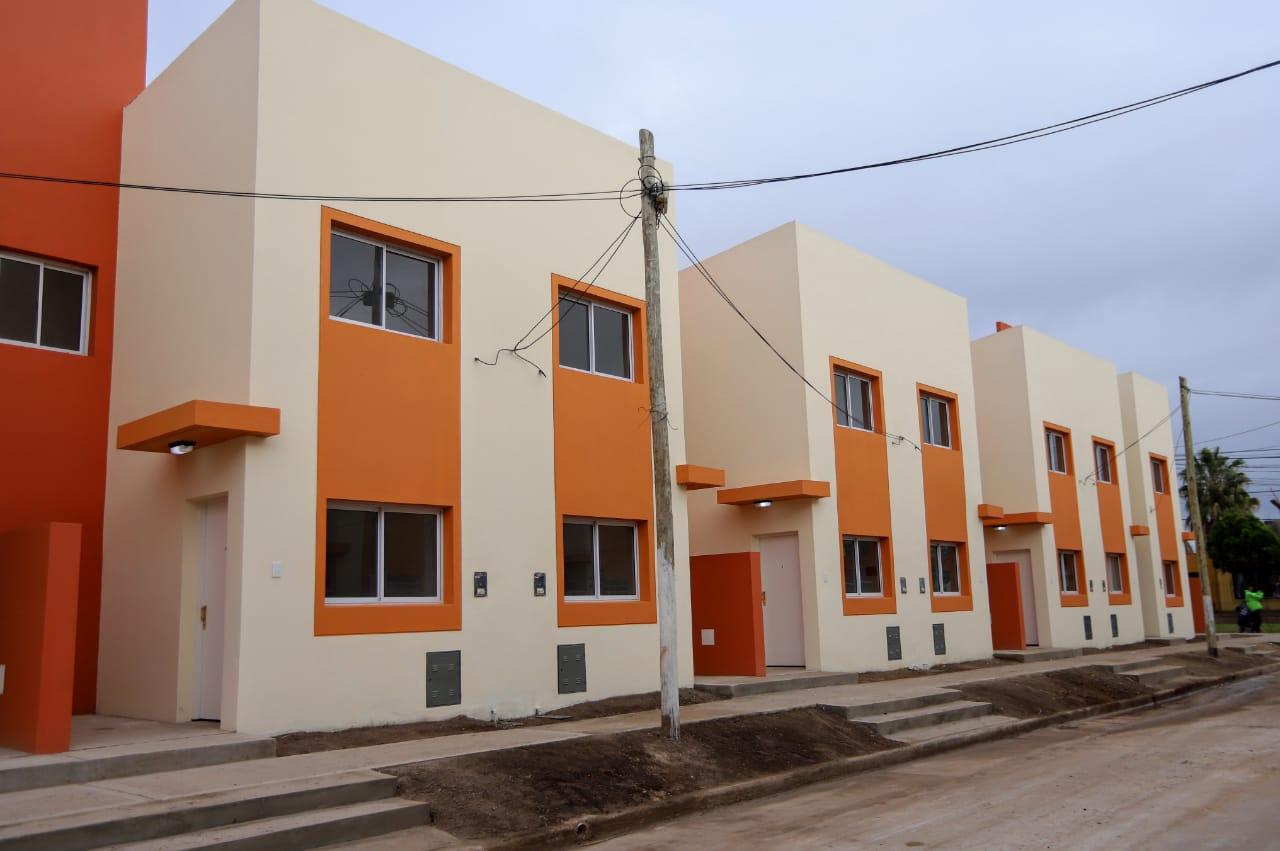 El Ministro Ferraresi entregó viviendas en Avellaneda