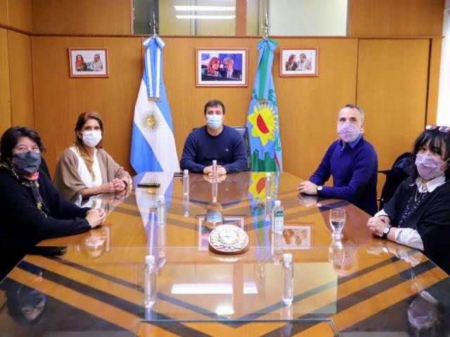 Alejo Chornobroff y Magdalena Sierra se reunieron con el titular del Patronato de Liberados de la Provincia, Aníbal Hnatiuk