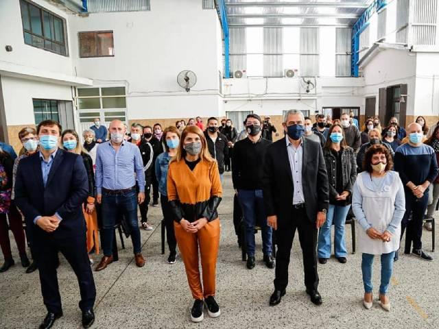 Jorge Ferraresi, Alejo Chornobroff y Magdalena Sierra inauguraron obras en la Primaria 55
